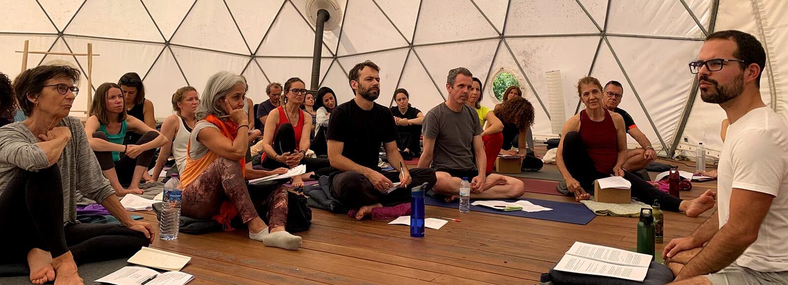 Aulas Vedanta - Yogamandir